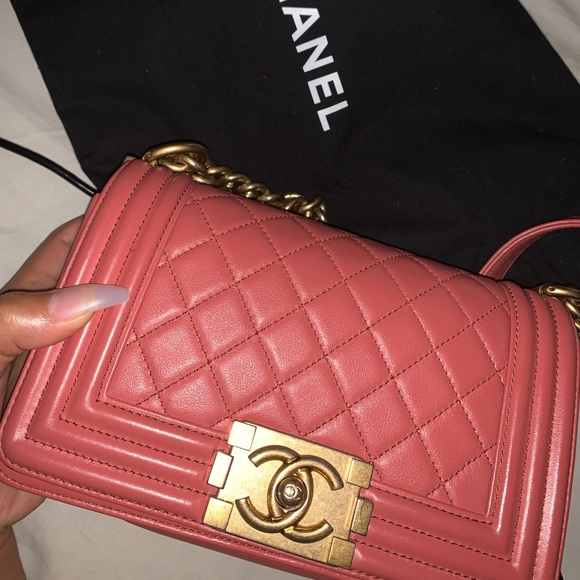 CHANEL Handbags - Chanel quilted boy bag